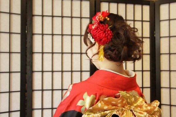 簡単盛り髪!初詣や成人式などの和装におすすめのポイントウィッグ店3選 | ズボラウィッグでいこう。